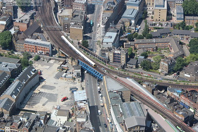 A Networker from Charing Cross approaches the chord linking the other Southeastern terminals with Cannon Street