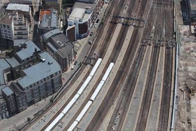 Networkers rub shoulders at London Bridge