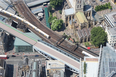 An Electrostar from Charing Cross chases the Networker toward London Bridge