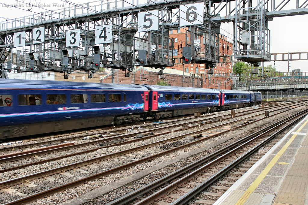 An FGW HST leaves the capital