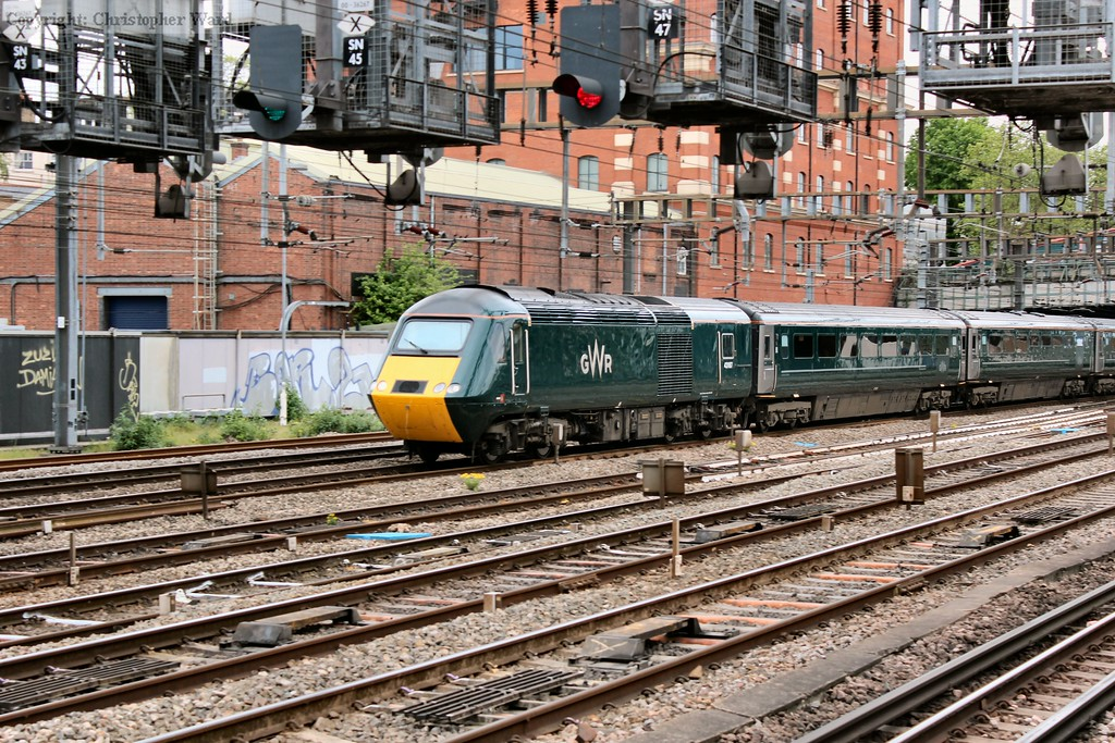The new GWR green shown to good effect on the HST