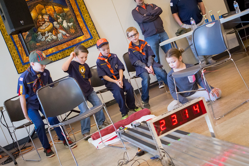Pack462 3 3 18 Pinewood Derby-17