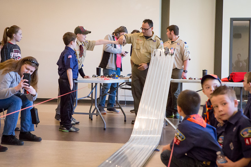 Pack462 3 3 18 Pinewood Derby-13