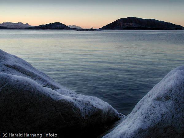Efjord, fyrlykt utenfor Skarstad