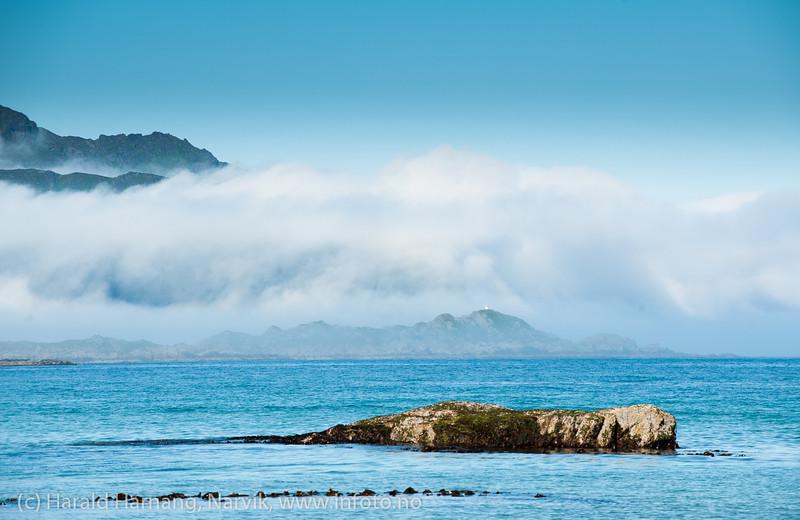 Lofoten, juni 2013. Stranda på Ramberg i det havtåka kommer sigende.
