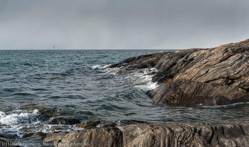 Framneslia. Snebyger i fjorden. April 2014.