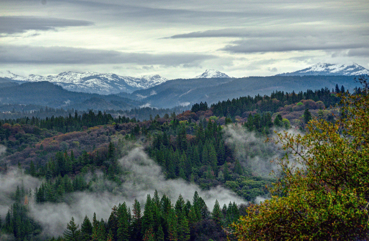Morning mist clears to reveal The  Emigrant Gap