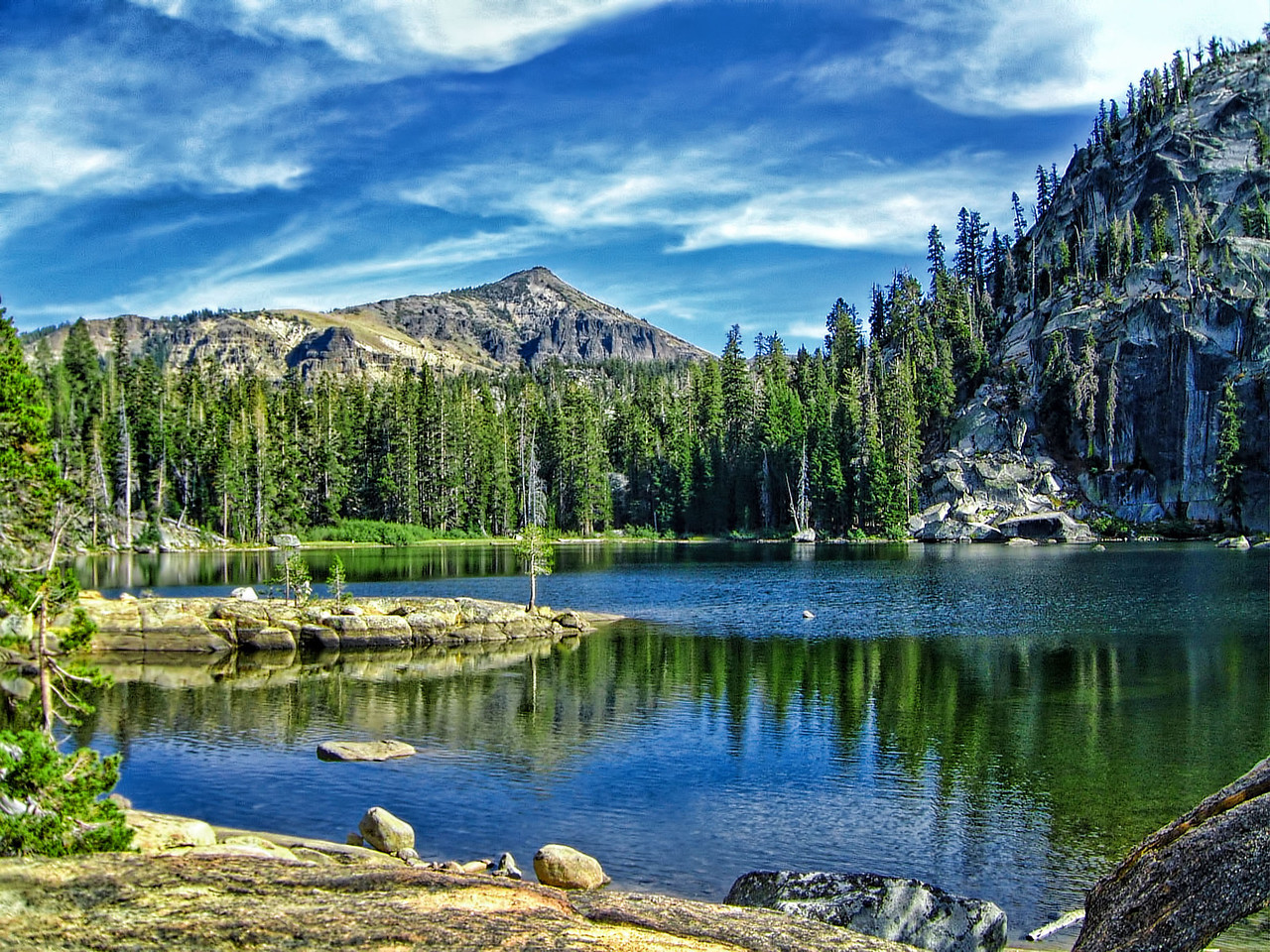 Dardanellies Lake, Desolation Wilderness CA