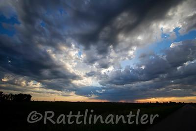 Grundy Storm Cloud with Rainshaft