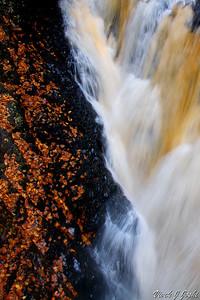 Between Rock & Water!! Lower Gorge Falls, Bushkill Falls