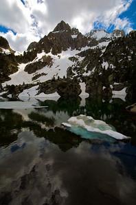 Hilelo y nieve en los ibones de Escarpinosa.