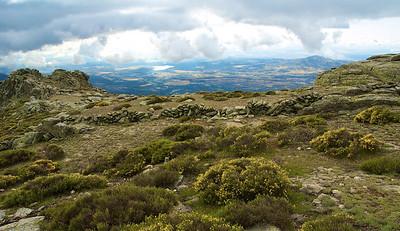 6 de junio de 2009 con el Club Alpino Madrileño. Cuerda Larga: Puerto de la Morcuera - Puerto de Navacerrada. Vista desde La Najarra (2121m)