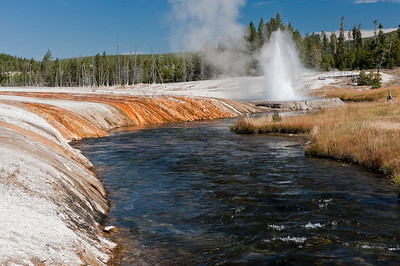 Yellowstone, Iron Spring Creek with Cliff Geyser, Black Send Basin