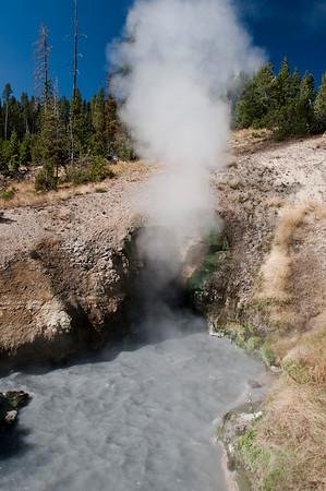 Yellowstone, Dragon Mouth Spring
