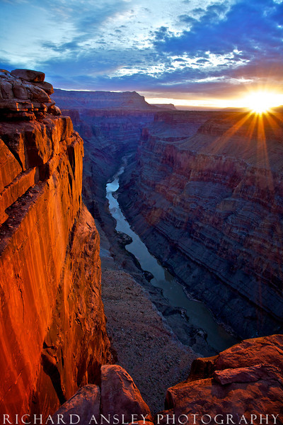 First Light on Toroweap-Grand Canyon NP, Arizona