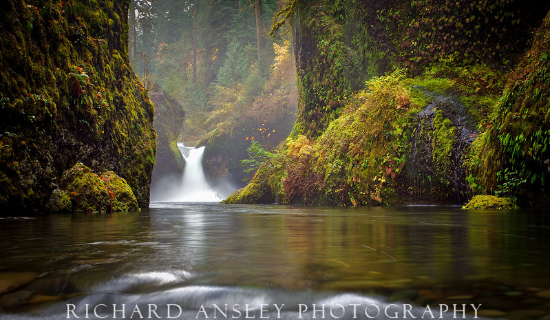 Punchbowl Falls-Columbia River Gorge, Oregon