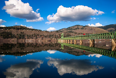 Perfect Rare Moment, calm reflections in the Columbia River Gorge