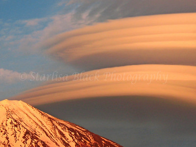 Lenticulars over Mount Adams #4389