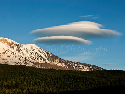 Lenticulars over Mount Adams #4315