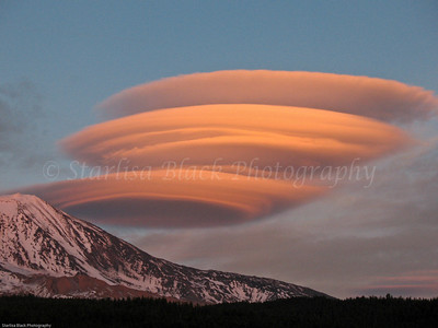 Lenticulars over Mount Adams #4422