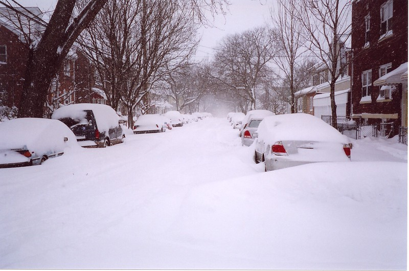 """NY Blizzard 2006, in the Bronx 30"""" of snow in 10 hrs"""