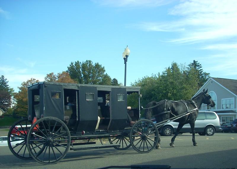 "Amish ""limo"" at Walnut Creek, OH"