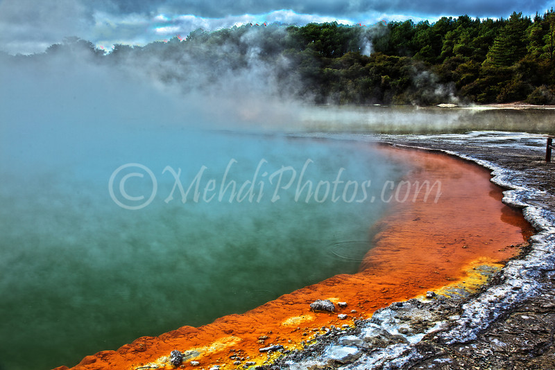 Wai-O-Tapu Thermal Park, New Zealand.