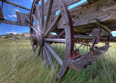 Weathered Old Wheel Mont1291