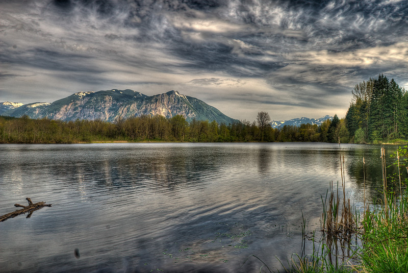 Lake Borst at sunset with Mount Si as backdrop