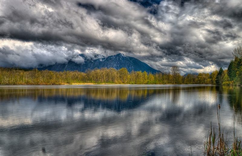 Lake Borst on moody weather with Mount Si as backdrop