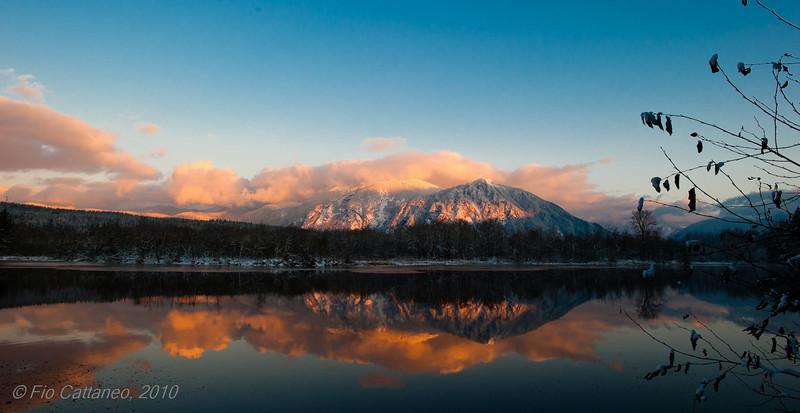 Sunset on Mount Si at Lake Borst