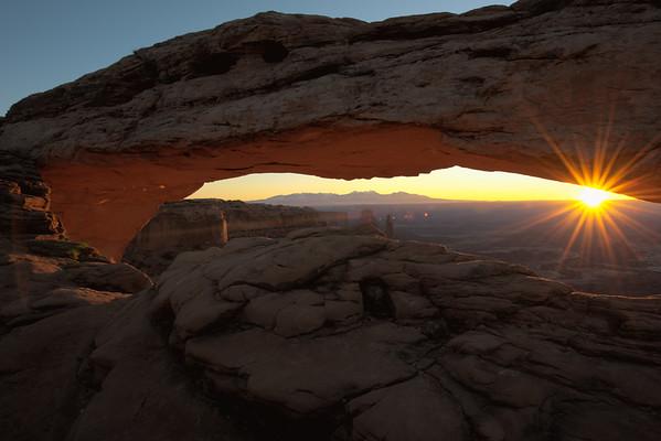 20151114 Canyonlands Mesa Arch HDR 1