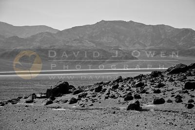 20090327-116 Volcanic rocks & salt flats
