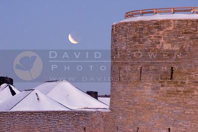 030307-020 Lunar eclipse & Ft Snelling