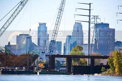 201001002-048 Minneapolis & Lowry St bridge construction