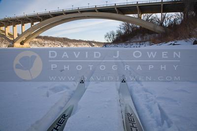 20090124-026 Skis and Franklin Bridge