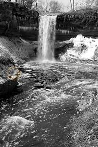 040407-001 Minnehaha falls