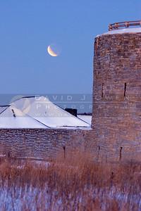 030307-021 Lunar eclipse & Ft Snelling