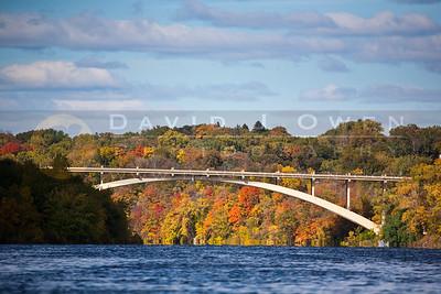 201001002-188 Lake St bridge