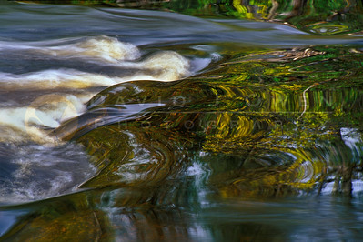 11550-3 Rapids in motion