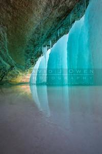 20110202-005 Minnehaha Falls ice