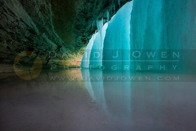 20110202-002-E Minnehaha Falls ice