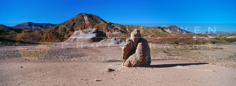 2002100-R8-F19 Buddha Rock & Bofecillos
