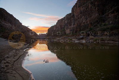 20090224-004 Closed Canyon sunrise