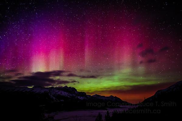 2 Amazing Mountain Aurora