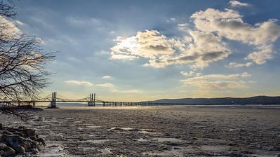 Frozen Zee Bridge