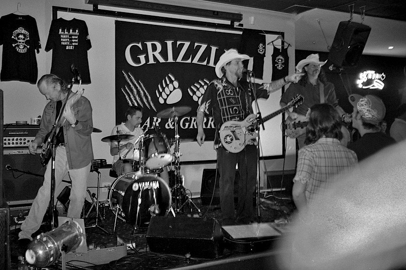 A night at The Grizzly featuring the Brent Lee Band, August 1, 2009.<br /> <br /> Cripes. Is that my finger in the corner?