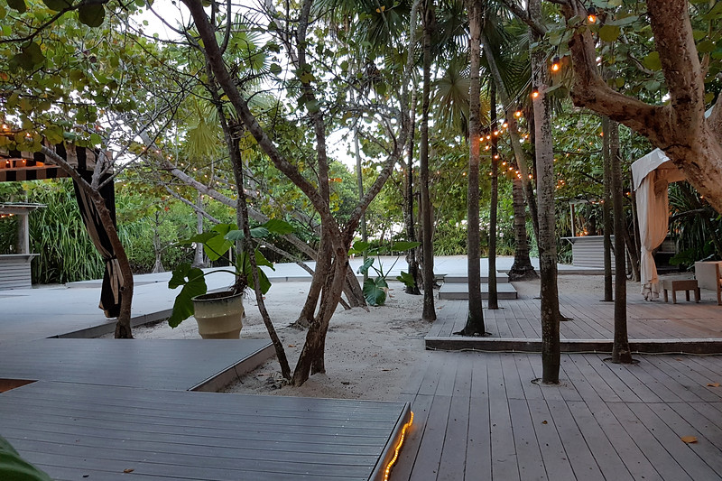 The back patio area at the Raleigh Hotel