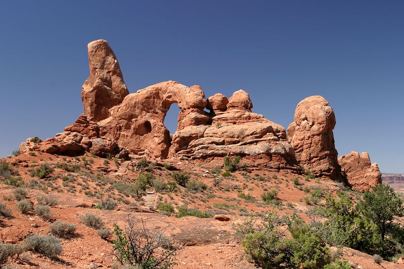 Welcome to the Windows Section of Arches NP.<br /> The structure around Turret Arch *does* resemble a castle.