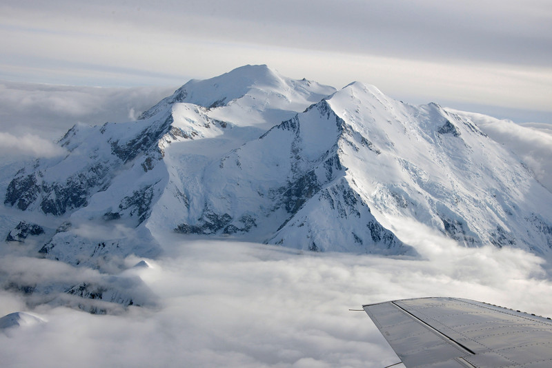 When we took off, the summit was clear.  In took less than 10 minutes for weather to close in.  This gave us a real appreciation for just how dangerous it is to climb the world's highest peaks.
